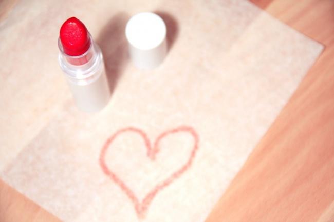 Usuwanie śladów szminki