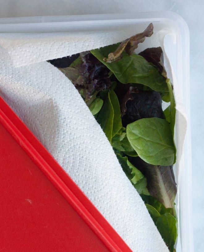 4 proste triki, które pomogą Ci na dłużej zachować świeżość warzyw przechowywanych w lodówce