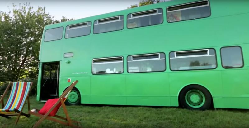 Kupił stary autobus w nadziei, że zrobi z niego mieszkanie. Wyszło lepiej niż zakładał!