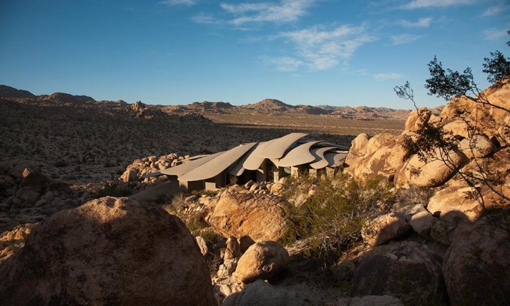 #6 Budynek na kalifornijskiej pustyni, USA