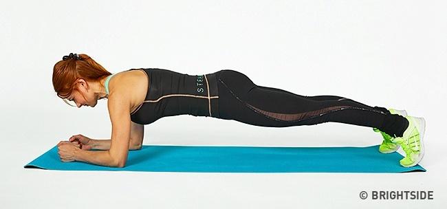 7 domowych ćwiczeń, które przekształcą Twoje  ciało nie do poznania. Wystarczą 4 tygodnie