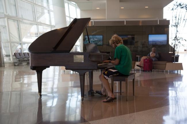 21 kreatywnych rozwiązań jakie zastosowano na lotniskach. Takie podróże to prawdziwa przyjemność