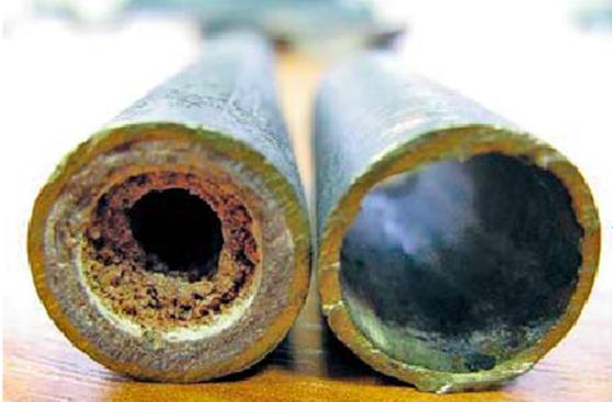 Domowy sposób na udrożnienie rur w starym domu. Wypłukuje kamień i obrzydliwy osad z brudu