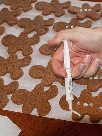 pieczenie ciast - dekorowanie strzykawką