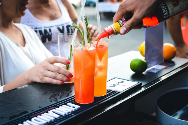 oszustwa barmanów - specjalne zamówienia