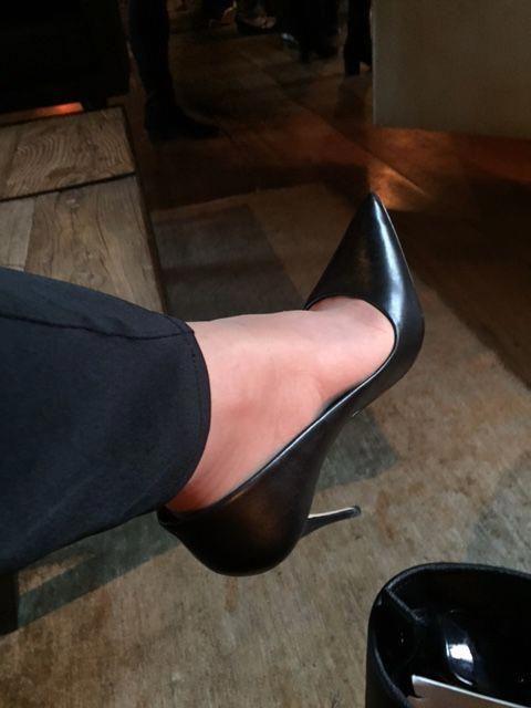 jak rozbić buty - szpilki w domu