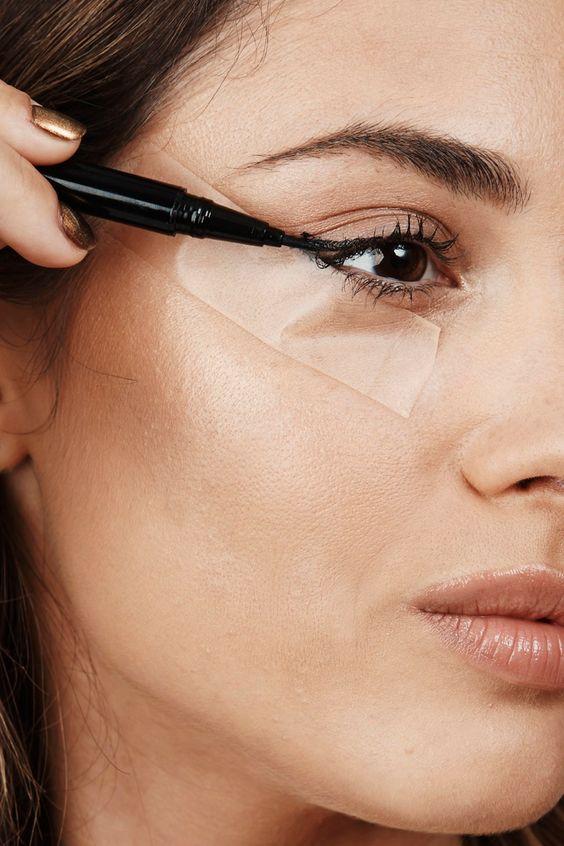 jak poprawnie nałożyć eyeliner 0