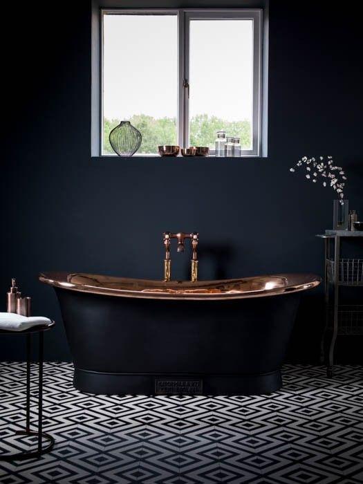 Jak urządzić czarną łazienkę? 5 cennych rzeczy przy jej dekorowaniu