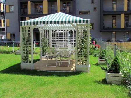 Kiedy warto wyposażyć się w pawilon ogrodowy?