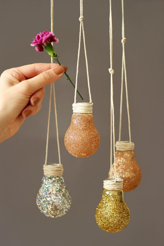 dekoracje z żarówki