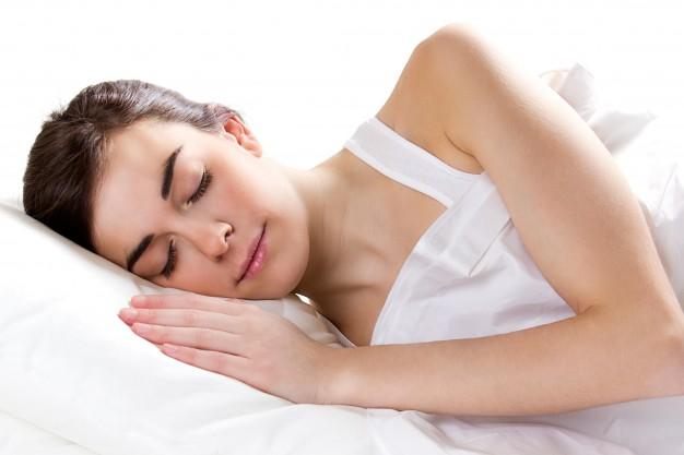 femeie adormită