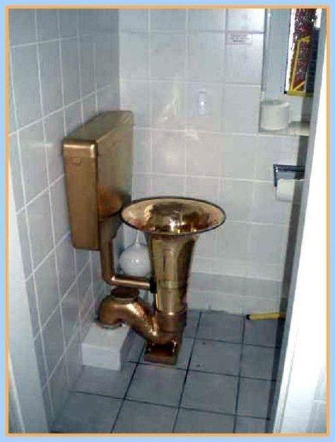 toaleta kontrabas