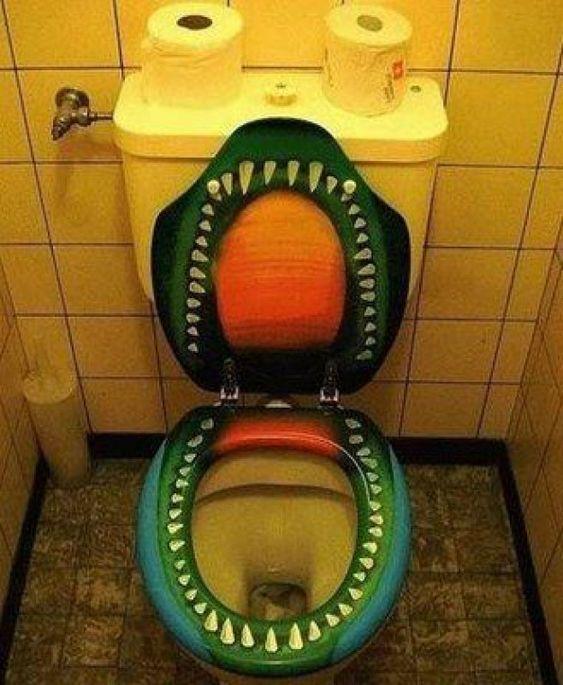 toaleta krokodyl