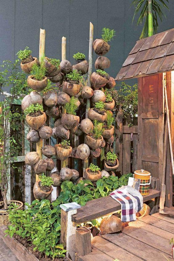 kwietnik z kokosów