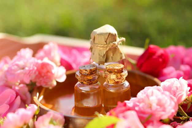 olejki i płatki róży