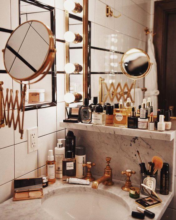 kosmetyki w łazience