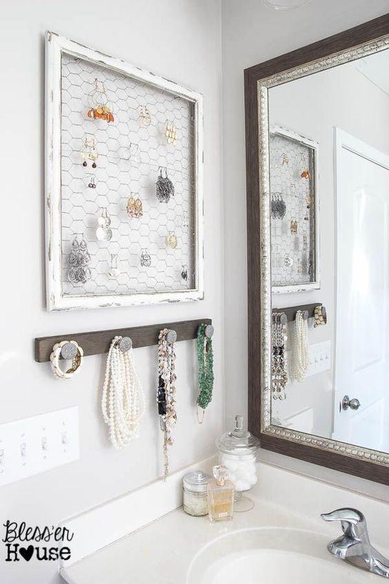 biżuteria w łazience