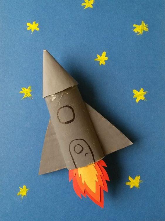 rakieta z rolki po papierze