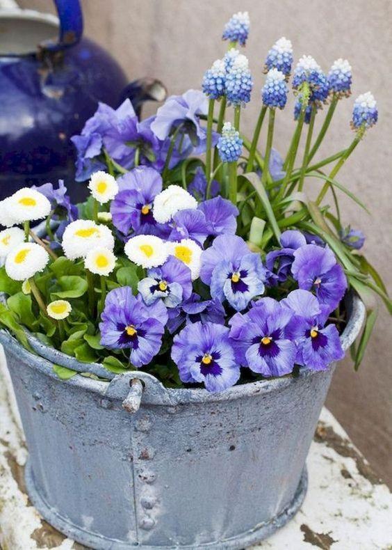 kompozycja z kwiatów