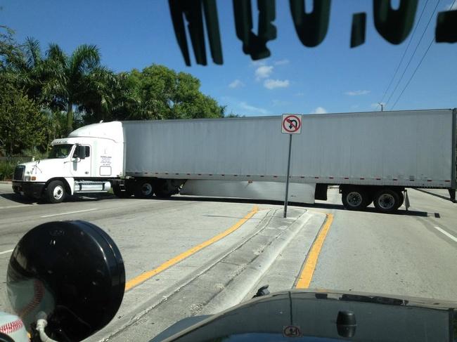 pechowy nawrót ciężarówki