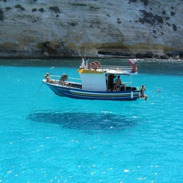 łódka nad wodą
