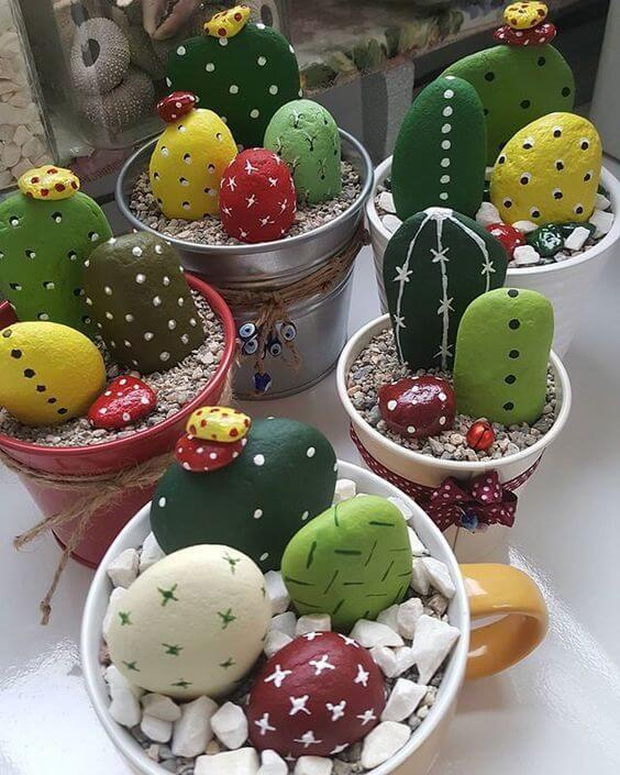 kaktusy z kamieni
