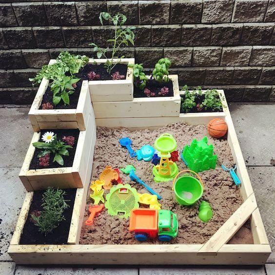 aktywności outdoorowe piaskownica z ogródkiem