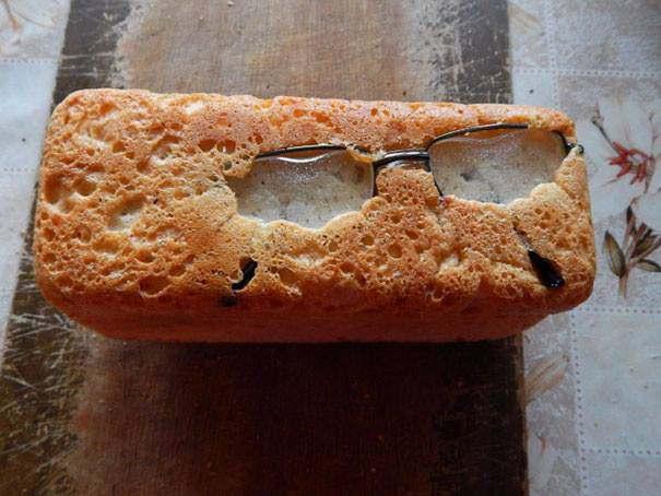 chleb z okularami