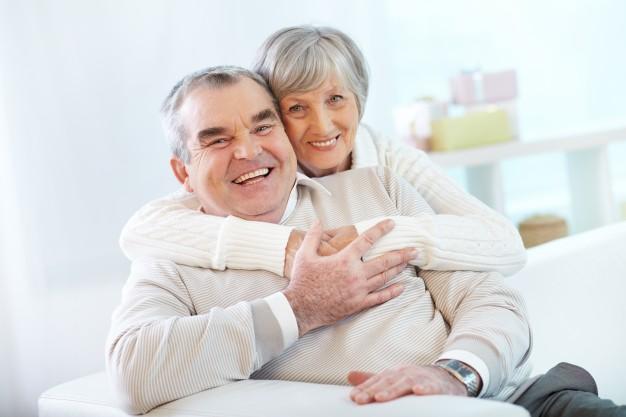 ciekawostki o ludzkim ciele - starsza para