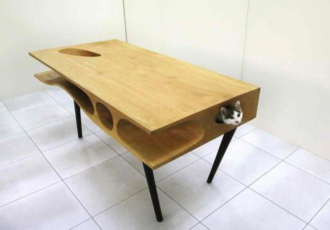 Koto-stół czyli idealny mebel dla fanów kotów oraz oryginalnego designu