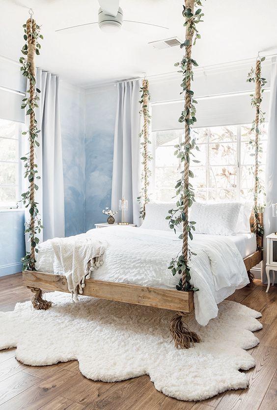 wiszące łóżko